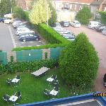  Der kleine Garten hinter dem Hotel