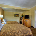 Islander Inn and Suites