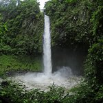 La Fortuna Waterfall ( Catarata Rio Fortuna )
