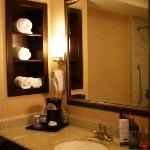 Foto de Holiday Inn Express Hotel & Suites Woodland Hills