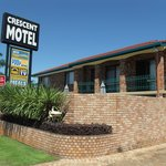 Crescent Motel
