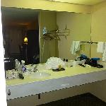  Vanity area