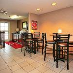 Econo Lodge  Inn & Suites Evansville照片