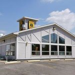 Super 8 Motel - Chadron