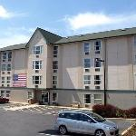 Rodeway Inn & Suites at Biltmore Square