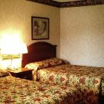 Foto van Colonial Inn & Suites