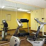  MOQuality Inn Fitness Centerl