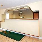 Photo de Quality Inn & Suites Jackson Int'l Arpt.