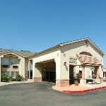 Quality Inn &amp; Suites Hotel Circle Albuquerque