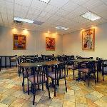 Photo de Quality Inn & Suites Livonia