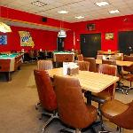  University Inn Warrensburg MORestaurant Bar