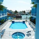 Americas Best Value Inn and Suites Casa Bella Resort
