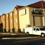 Western Skies Inn and Suites Los Lunasの写真