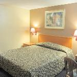  Budget Inn San Gabriel Bed
