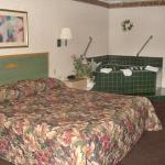 Photo de Green Roof Inn & Suites