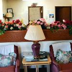  Brass Bell Innand Suites Chesaning MILobby