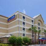 ‪Candlewood Suites Ft. Lauderdale Air/Seaport‬