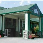 Hilltop Inn & Suites North Stonington