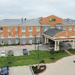 Foto van Holiday Inn Express Hotel & Suites Clute Southwest