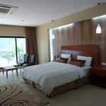 Harbour View Suites resmi