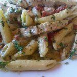 Penne with pesto, chicken and sun-dried tomatoes