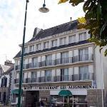 Photo de Hotel Les Alignements