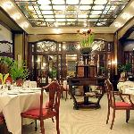 Our Restaurant is the essence of the Parisian Bell