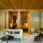  Suite Ski Piste Living Room