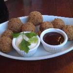 Starter, breaded mushrooms with 2 choices of dip
