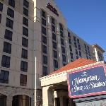 Hampton Inn & Suites Kansas City Country Club Plaza resmi