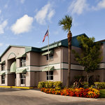 Super 8 Motel - Kissimmee Suites