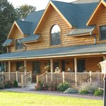 Tauschek's B&B Log Home  Plymouth, WI