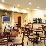 Breakfast Area - Comfort Suites Chesapeake