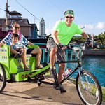 Discovering Aloha Tower on Honolulu Pedicab.