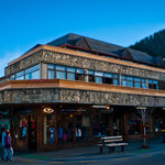 Adventure Queenstown Hostel & Chalet