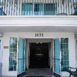 Sequoia Inn Hotel Entrance