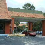 Days Inn Cocoa Cruiseport West At I-95/524 resmi