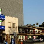 Φωτογραφία: Hollywood Palms Inn & Suites