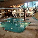 Foto de Ramada Tropics Resort / Conference Center Des Moines