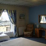  FAMILY en-suite room in Halifax Hotel Inn