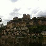  Looking up at Beynac Castle from the River