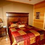 Queen Suite in 3 Br cabin