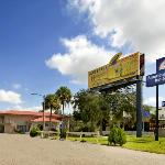 Sunstate Inn & Suites