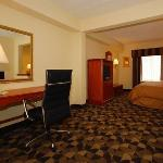  Suite with sitting area (king bed)