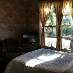 Our room- right in the front of the Victorian House! Comfortable and beautiful.