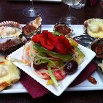  Scallops, oysters and salad platter