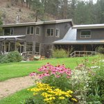‪Mountain Springs Nature Retreat Lodging‬