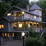 Arsenic and Old Lace Bed and Breakfast Inn