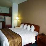 GrandStay Hotel & Suites