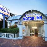 Earls Court Motor Inn resmi